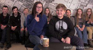 Schüler der Klasse beim Videodreh